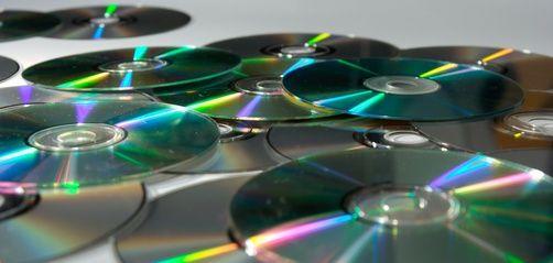 Cómo reciclar CD usados para ganar dinero | eHow en Español