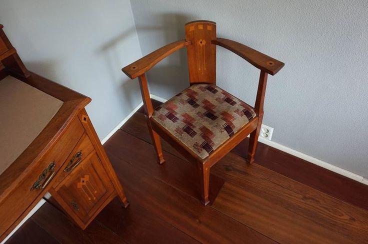 Karfás szék