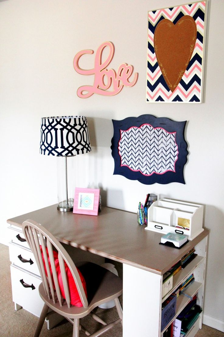 A fun and bold color combo make this Teen's Navy & Coral Bedroom a place she