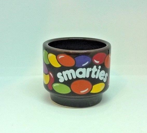 COLLECTABLE ADVERTISING NESTLE SMARTIES EGG CUP HORNSEA POTTERIES