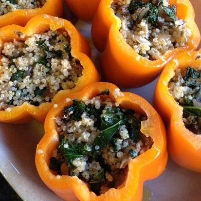 Quinoa-Stuffed PeppersQuinoastuf Peppers, Healthy Dinner, Green Peppers, Dinner Ideas, Chilis Peppers, Stuffed Belle Peppers, Ground Turkey, Quinoa Stuffed Peppers, Dinner Tonight
