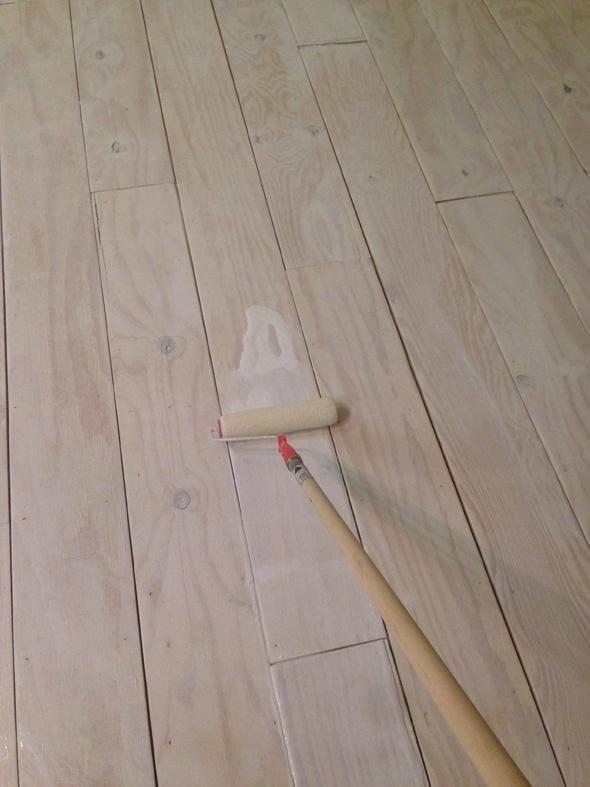 DIY-er @Jenny Komenda created a neat wide-plank flooring ...