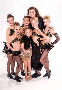 Maddie Ziegler, Mackenzie Ziegler, Chloe Lukasiak, Paige Hyland, Brooke Hyland, Nia Frazier, and there dance couch Abby Lee Miller!(: