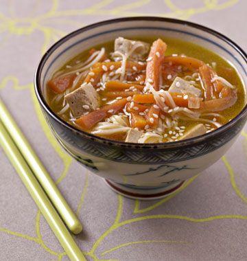 Soupe japonaise au tofu, la recette d'Ôdélices : retrouvez les ingrédients, la préparation, des recettes similaires et des photos qui donnent envie !
