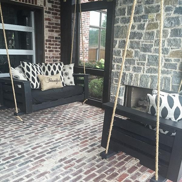 Reclaimed Pallet Porch Swing | Pallet Furniture DIY