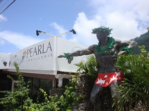 Top Things to Do on Bora Bora: Shop for Black Pearls in Vaitape