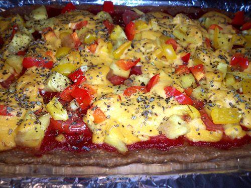 Vegan Bell Pepper Pizza :http://sweetlyradiant.com/vegan-bell-pepper-pizza/