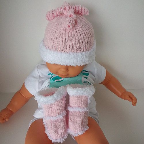 Set Snow Beanie uggy Booties by LilCuddles on Etsy