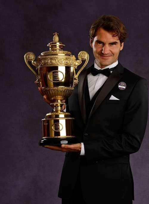 ROGER FEDERER From the tuxedo design, I think this is No. 7 Wimbledon champion