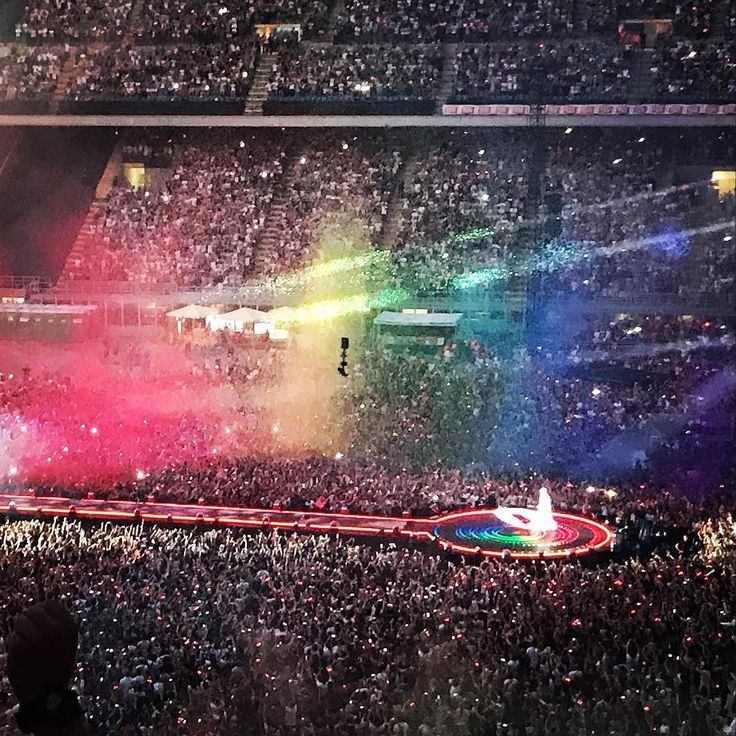 Uno spettacolo indimenticabile #ahfod #coldplaymilan #coldplay #aheadfullofdreamstour #sansiro #04072017 #4thofjuly2017