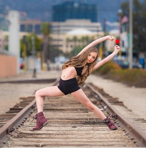Maddie Ziegler is gonna get run over by a train phew I hope not