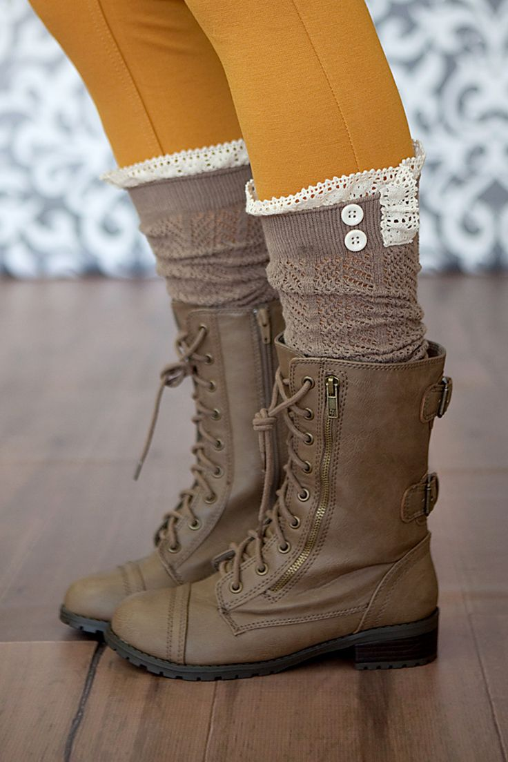 how to wear leg warmers with skinny jeans