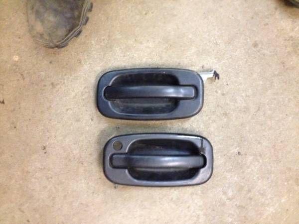 1999-2004 Chevy GMC pick up silverado, Sierra door handle (Sheldon Essex vt) $10