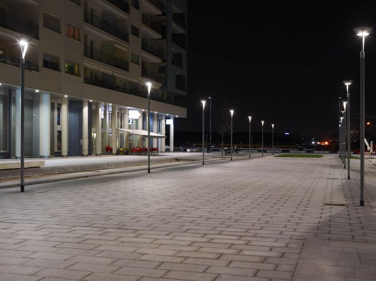 Milan, Piazza Gae Aulenti, one of the most interesting urban projects of recent times.  Product: street lamp Bell 570