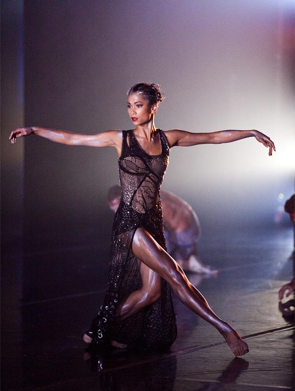 Vivienne Wong in warumuk - In The Dark Night - Infinity on stage! | Behind Ballet
