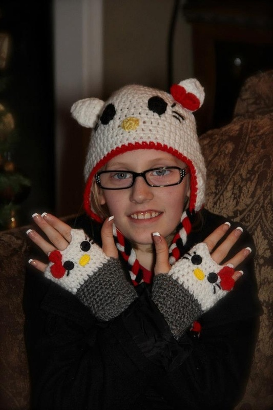 Hello Kitty Mittens Knitting Pattern : 17 Best images about crochet/ knitted fingerless gloves on Pinterest Free p...
