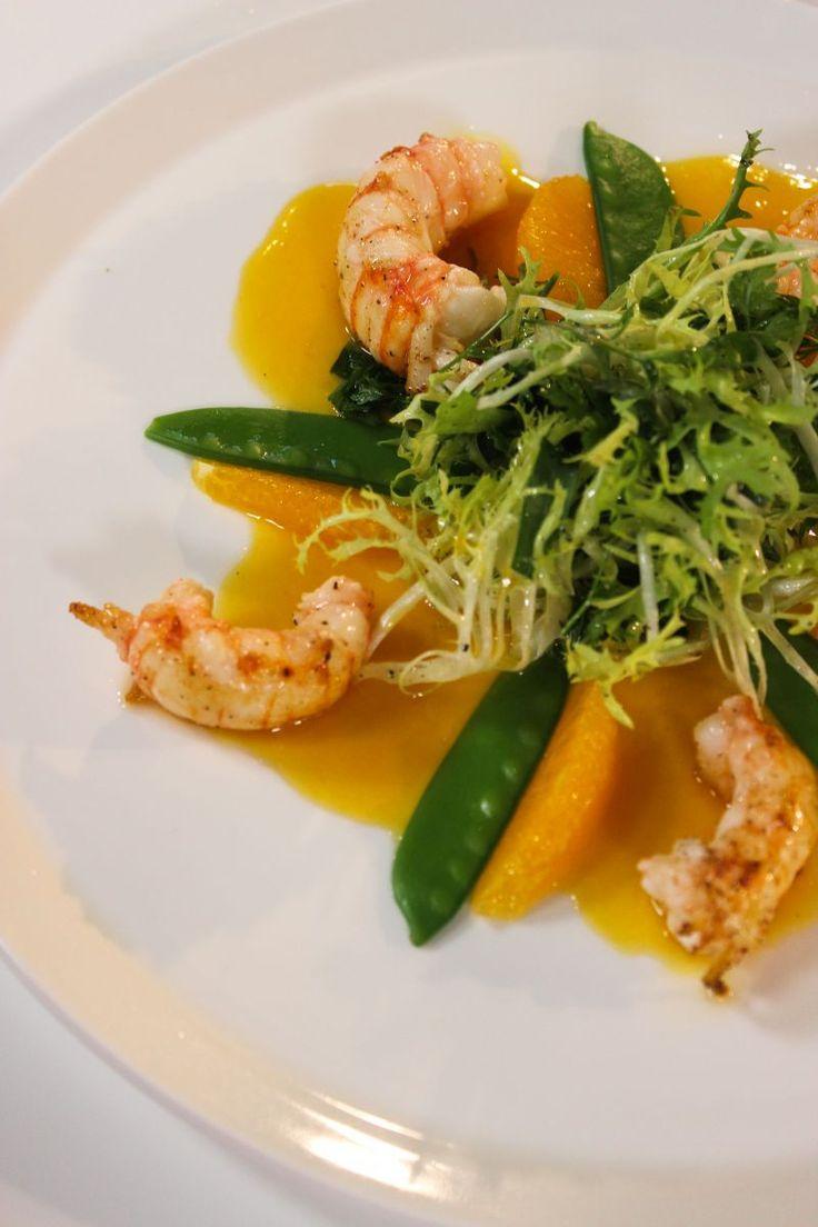 """Het lekkerste recept voor """"Salade met langoustines en sinaasappel"""" vind je bij njam! Ontdek nu meer dan duizenden smakelijke njam!-recepten voor alledaags kookplezier!"""