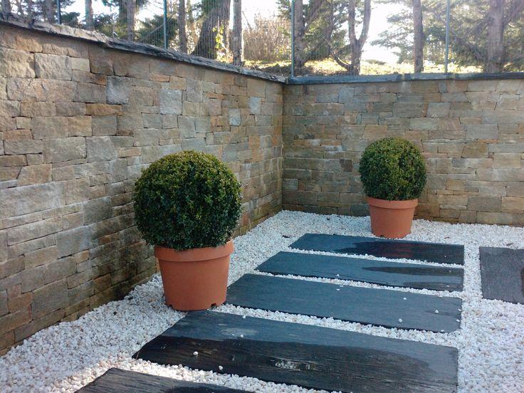 Mur en pierres sèches. Arbor Minéral Vannes, Baden, Arradon, Carnac, Morbihan Paysagiste créateur de jardins