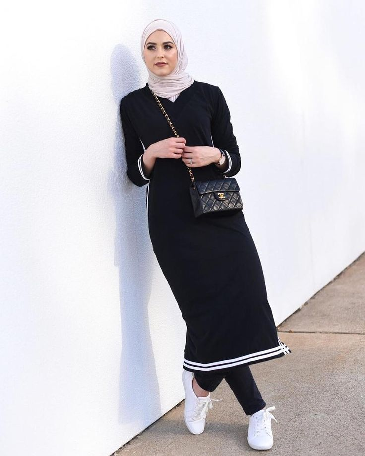 Who said that the sporty and chic looks were antagonistic ? Our gorgeous @withloveleena wearing the Toshi Midi Black dress by AAB collection perfect for a Ramadan outfit. Shop this now via Haute-elan.com.