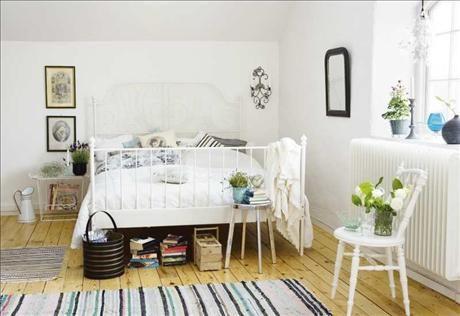Nueva cama de Ikea 168 cm de ancho hierro tiene la sommarkrusidull bien al final.  La belleza pintado Leirvik pulg ..