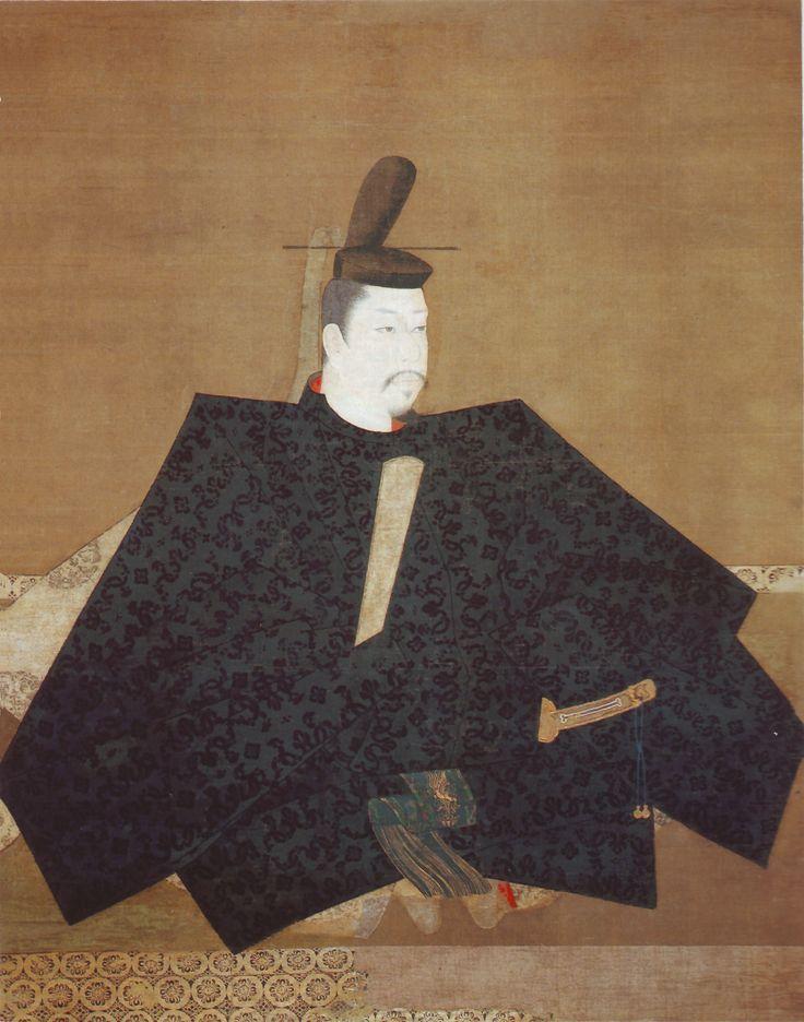 114. Fujiwara Takanobu (attribuito), Ritratto di Minamoto no Yoritomo, fine del XII - inizio del XIII secolo (?). Inchiostro e colori su seta, cm. 139,4 x 111,8. Kyoto, Jingoji.