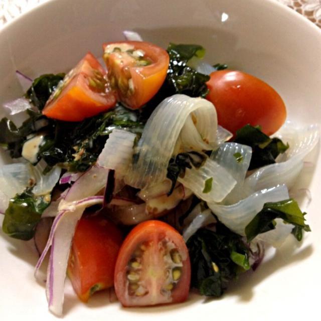 残り物の肉じゃがと〜 いろいろ(*^_^*) - 30件のもぐもぐ - 自家製ミニトマトと、刺身こんにゃくのサラダ〜 by poyon