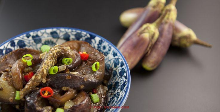 Geroerbakte aubergines / Ca tim xao (foto: Pho Vietnam © ZYX Media)