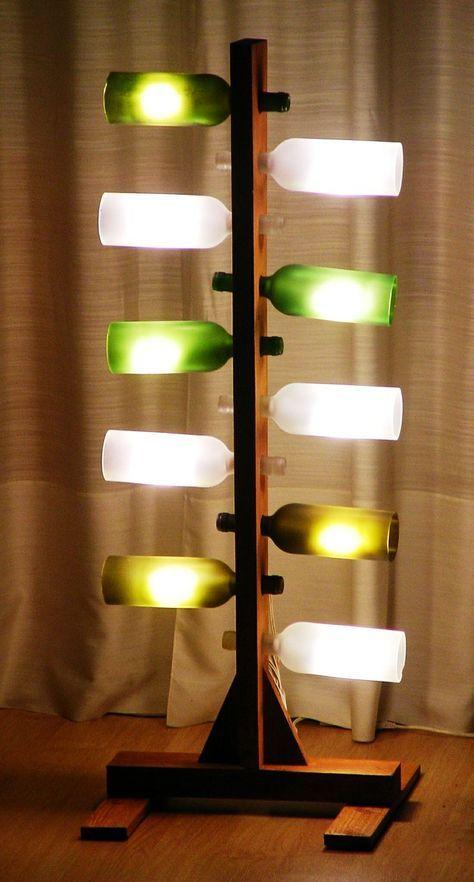 Lampadaire bois et bouteilles de verre découpées - déco DIY