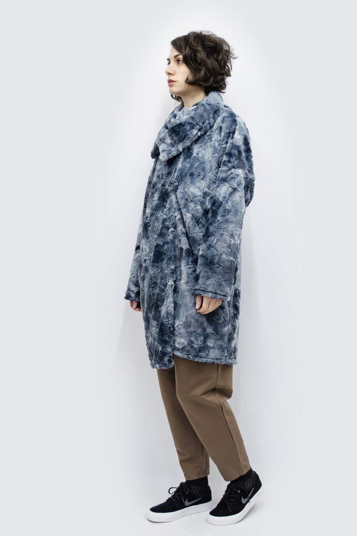 Outwear Hitoe in Tie Dye Blue Faux Fur