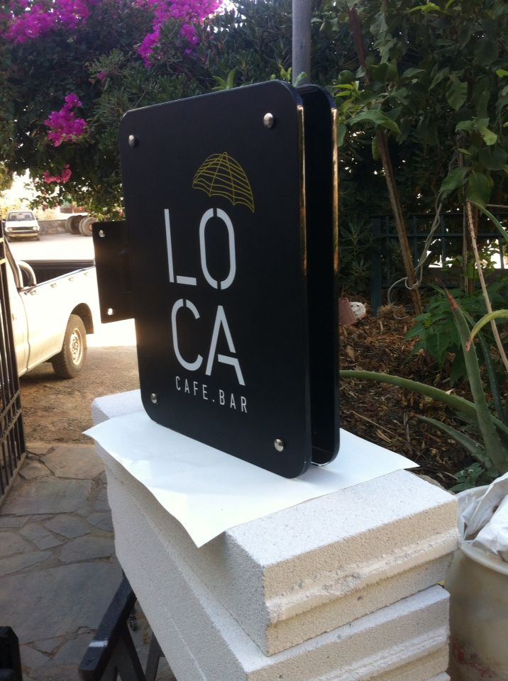Placing glass sign with metal and led