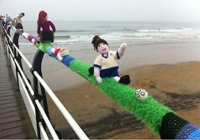 Yarnbombing at Saltburn by the Sea. Just amazing!