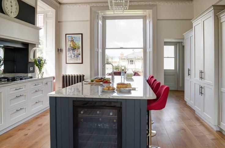 Custom kitchen firm in Cheltenham. At Stonehouse we focus on the detail. Peruse our collection of bespoke kitchens to see what we can offer you.