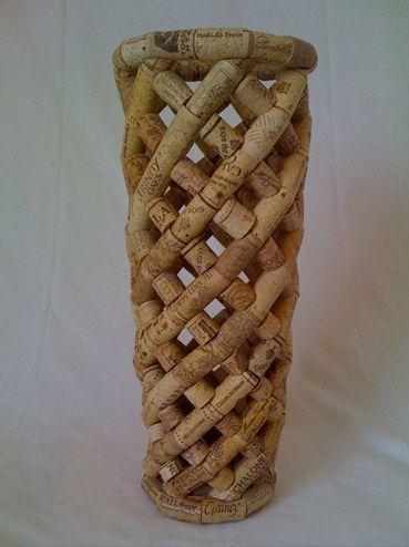 vase made out of corks: Wine Corks Art, Corks Vase, Recycled Projects, Wine Corks Crafts, Crafts Projects, Recycled Wine Corks, Corks Ideas, Recycled Vase, 220 Corkssiz