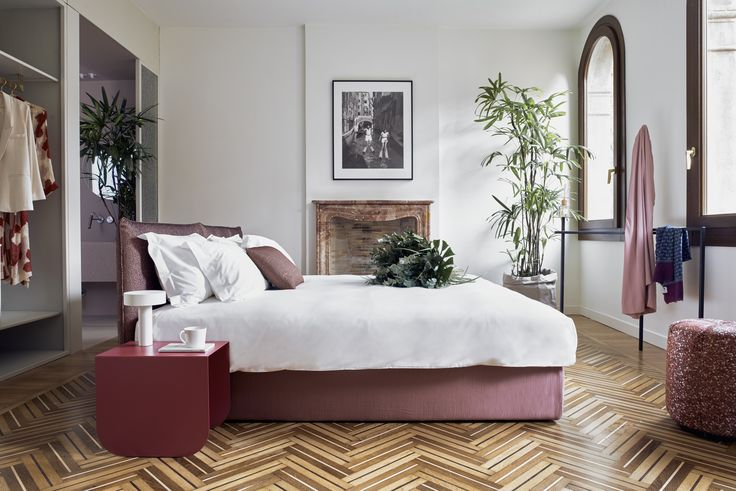 Bedroom | BertO for Casa Flora Venice. Photo by Valentina Sommariva #hospitalityfurniture #interiors #design