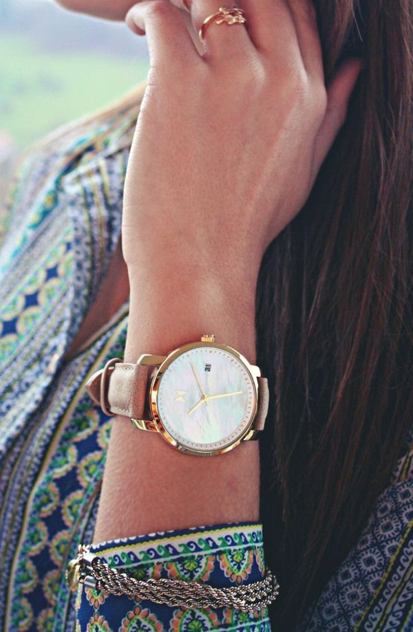 The Rose Gold Pearl Leather watch combines a beautiful face with a stylist leather band, bringing together the whole package. You could have this beauty in just a few days with free worldwide shipping at mvmtwatches.com