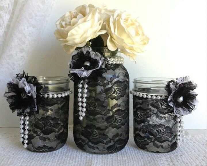 black and white wedding DIY table decor. Black lace, pearls and roses