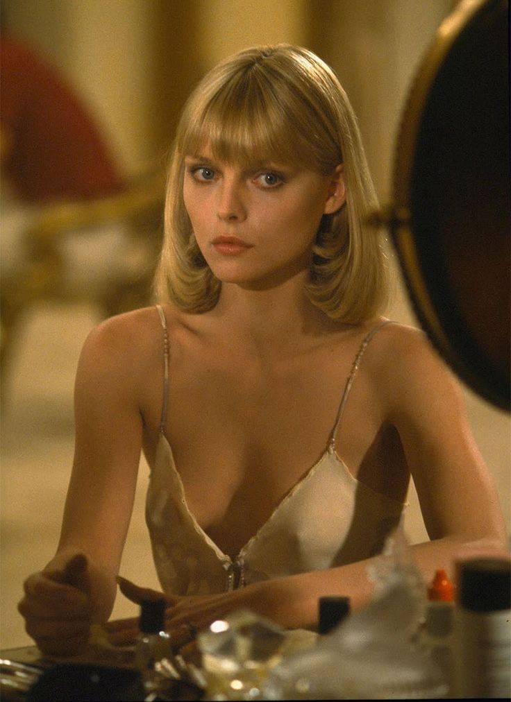 Another iconic blonde actress, Michelle Pfeiffer rose to fame in the 1980's, appearing in films like Scarface, Grease 2 and Batman Returns in the early 90's.