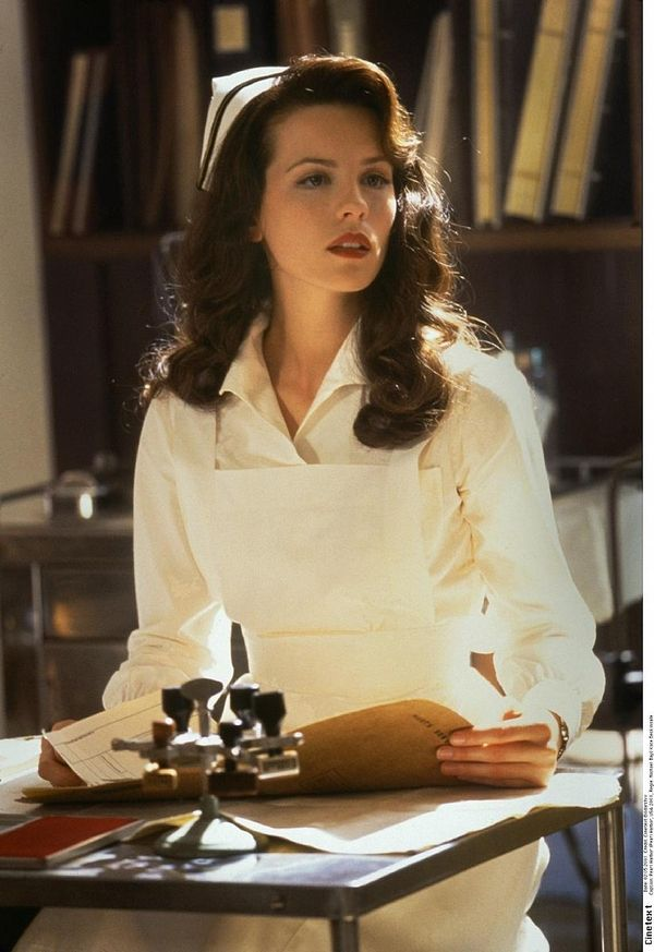 Kate Beckinsale - Pearl Harbor.. Love her old time Hollywood curls!