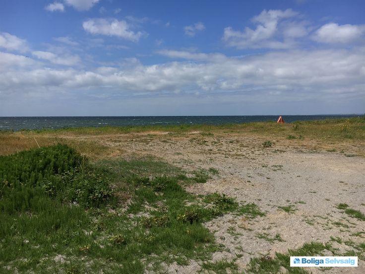 Soløje Strandvej 20, Svinø, 4750 Lundby - Svinø Strand med udsigt til Smålandshavet #fritidsgrund #grund #grundsalg #lundby #selvsalg #boligsalg #boligdk
