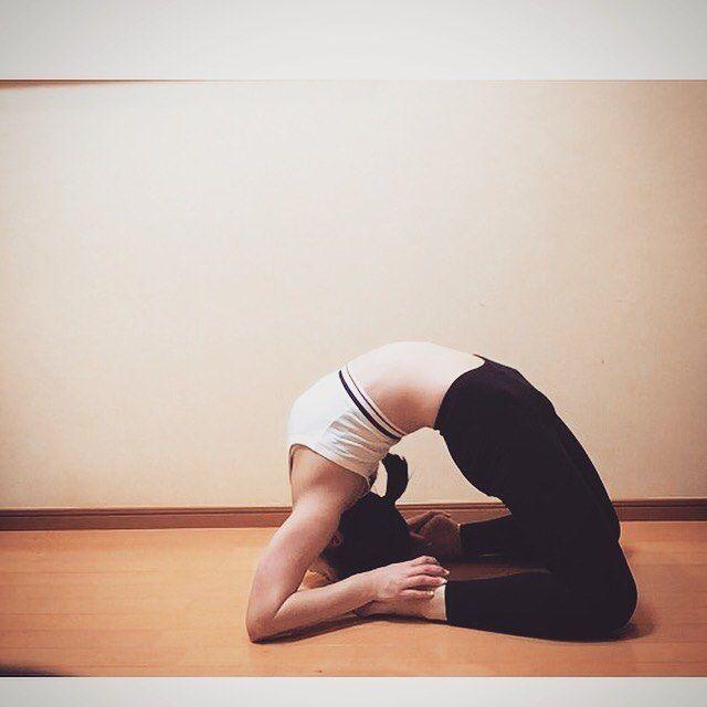2016/11/21 21:01:03 miii_do_ri 本日もグイーンとな! 膝閉じて出来るようになりたい。 頑張ろー! #トレーニング #ヨガ #カポタアーサナ #鳩のポーズ #後屈 #上級者用 #アーサナ #インストラクター #美容 #健康 #朝ヨガ #体幹 #ワークアウト#goodmorning #kapotasana #yoga #yogini #everyday #instructor #beauty #fitness #fitnessgirl #health #backbend #美容