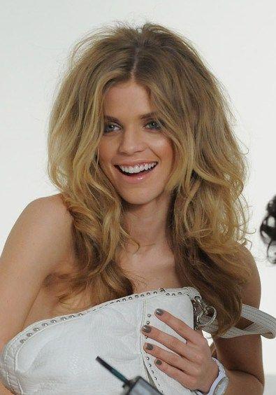 annalynne-mccord-hair