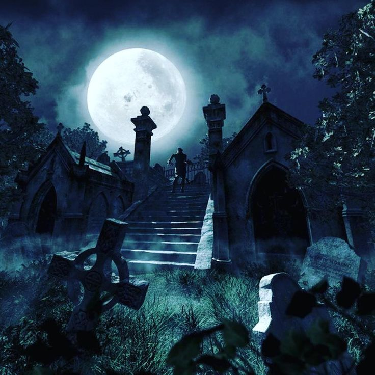 Time to get spooky ... It's nearly Halloween!⠀  ⠀  #halloween #spooky #cemetery #cemetery_shots #moon #haunted #allhallowseve #witchesofhalloween