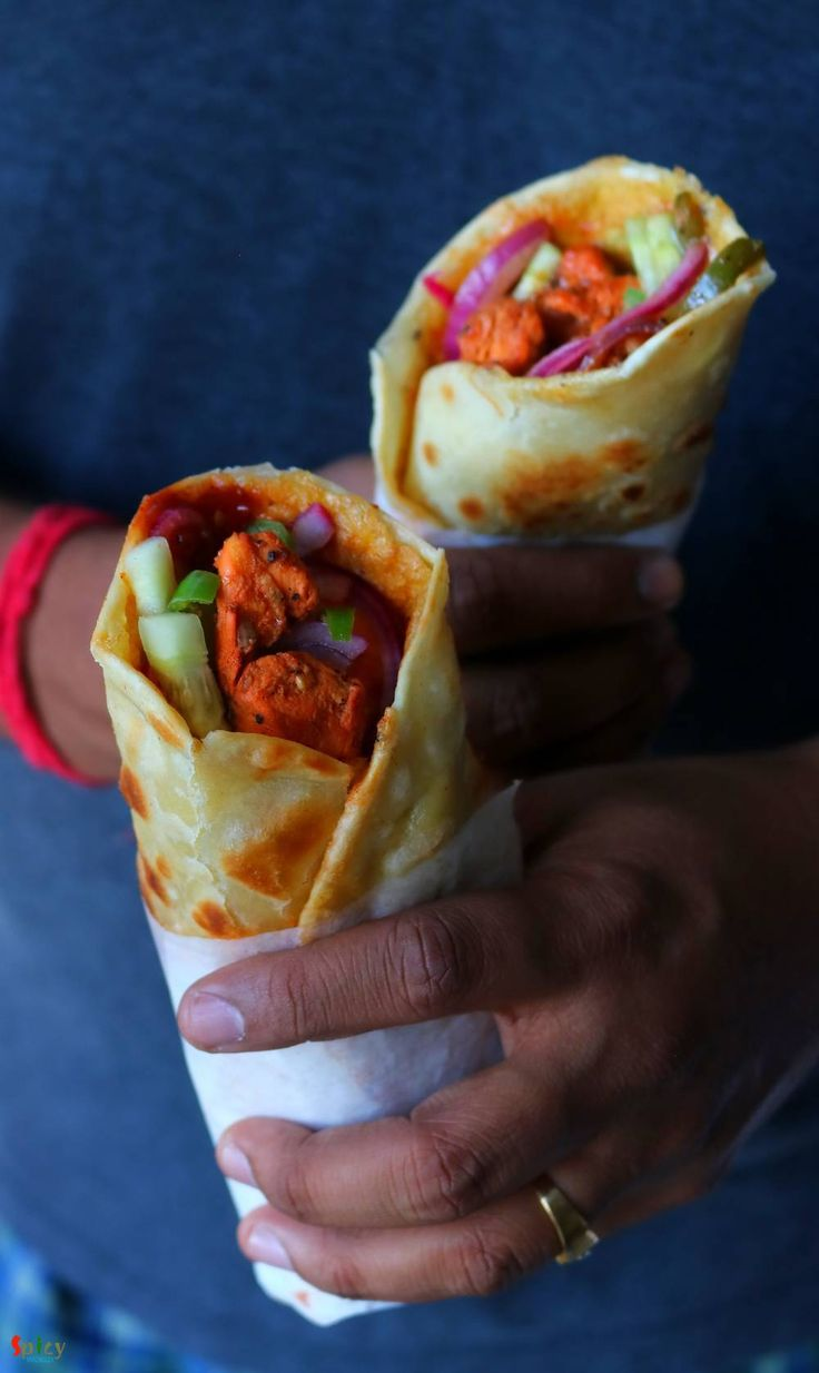 Egg Chicken Roll (Kolkata style) in 2020 Chicken rolls