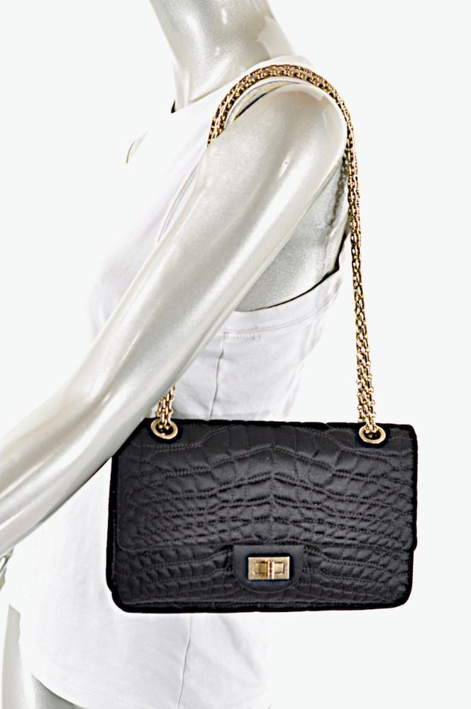 4155972d1e20 Chanel Excellent Pre-Owned Condition, gold toggle hardware bit scratched,  but the bag itself is really in wonderful condition. Literature included in  3 ...