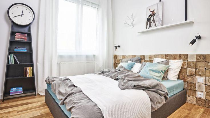 Łóżko w sypialni. Projekt: Katarzyna Kiełek iAgnieszka Komorowska-Różycka. Fot. Studio 17 Pixeli
