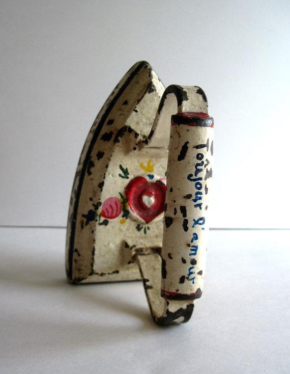 Antique Cast Iron Clothes Presser Sad Iron.