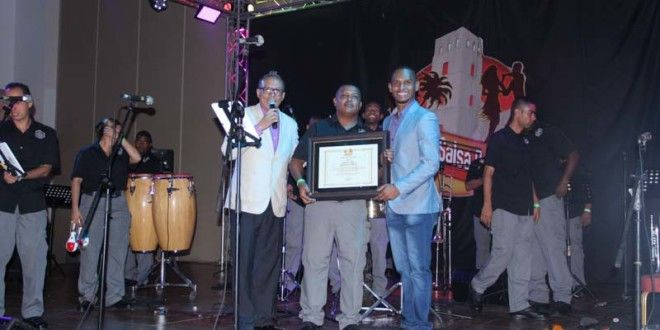 Panamá Salsa Congress da reconocimiento a la orquesta de la Policía Nacional | A Son De Salsa