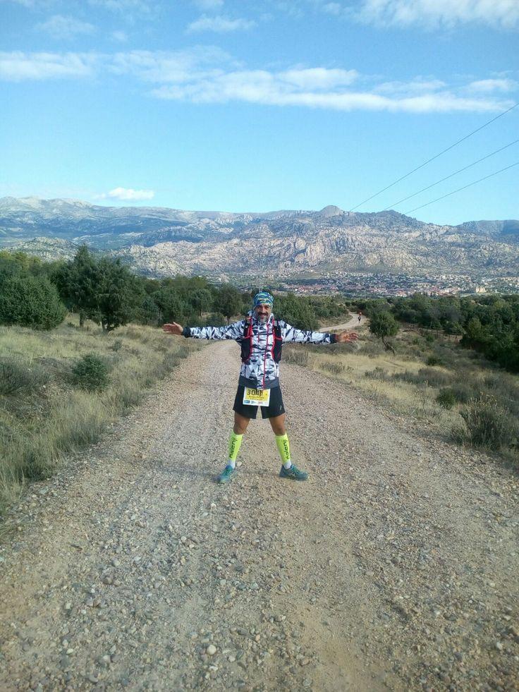 Enorme gesta la acometida este fin de Semana por nuestro compañero Francisco David Oliver Capitán al disputar un año más el Trail Madrid – Segovia que este año celebraba su octava edición con un recorrido de102 Km y un desnivel de 2100 m.