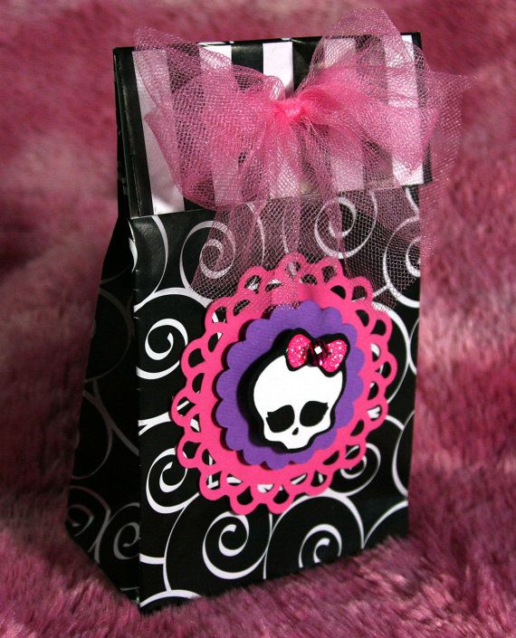 Monster High Birthday Party Invitation -- Skullette -- Halloween -- Gothic -- Princess -- Bling -- Girl -- Skull. $3.99, via Etsy.