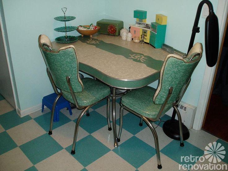 vintage dinette sets in reader kitchens